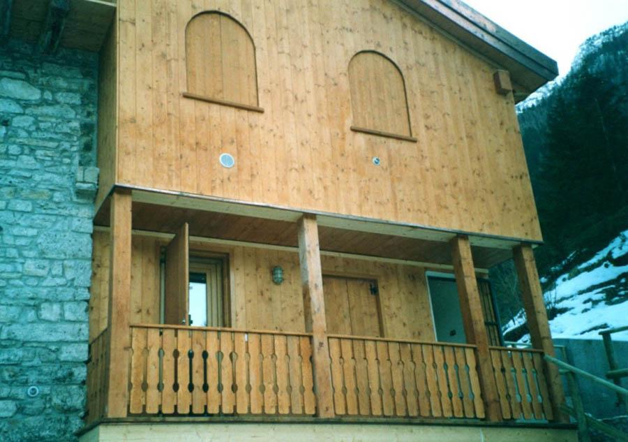 Manutenzione e pittura serramenti in legno a treviso rc - Manutenzione finestre in legno ...